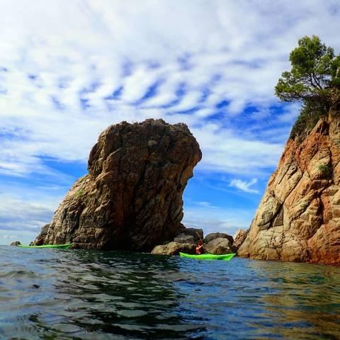 Matinal de Kayak por la Costa Brava-salida Cala Canyelles